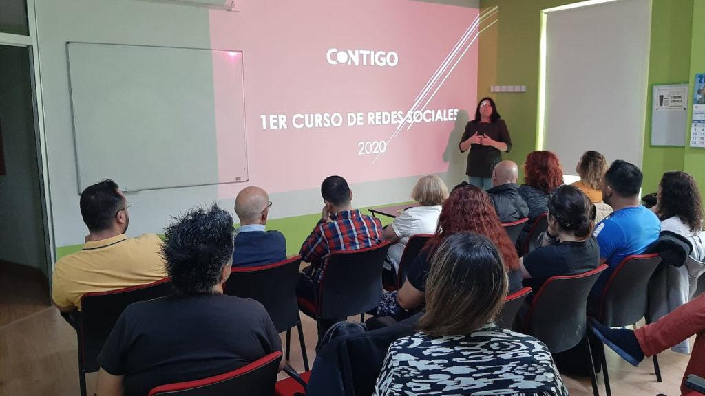 Curso de Redes Sociales de Contigo Islas Canarias con Guayarmina Méndez
